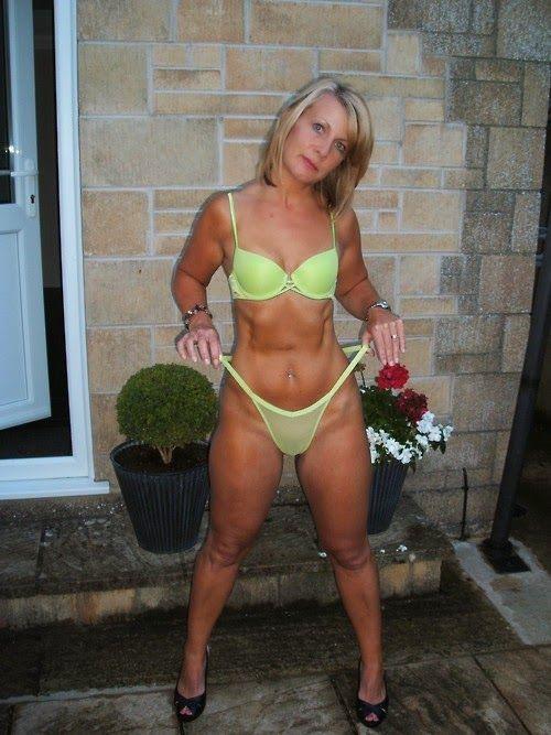 Amateur wife black cucold