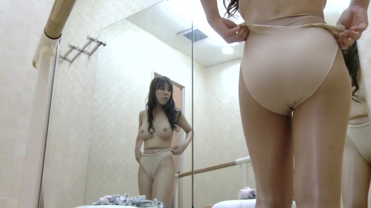Young B. reccomend Japanese upskirt cameras