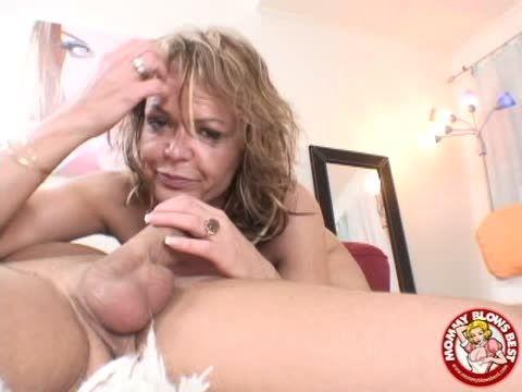 Wife giving best deepthroat