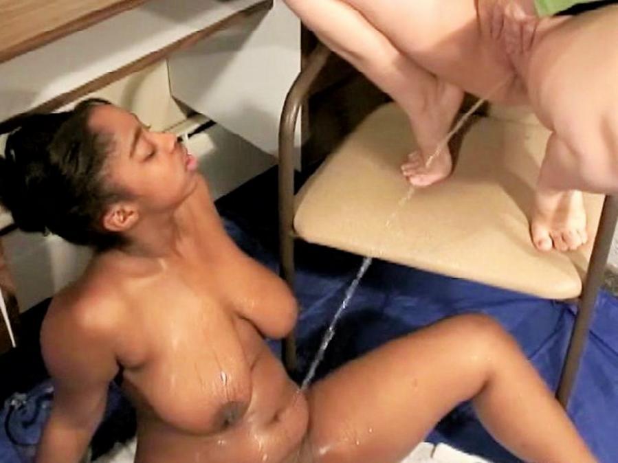Naked sexy bi men