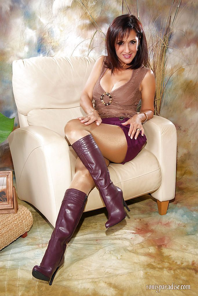 Pantyhose skirts opaque shiny and