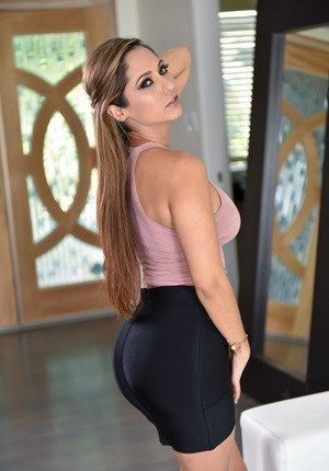 Free skirt milf pictures