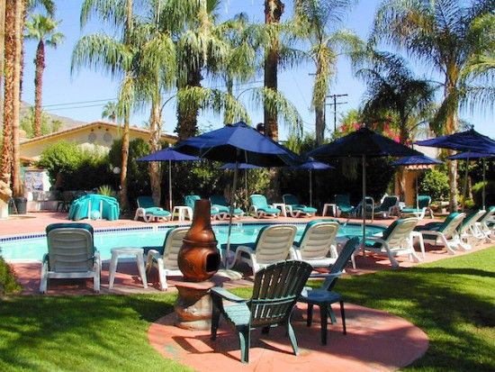 Lesbian friendly hotels in palm springs