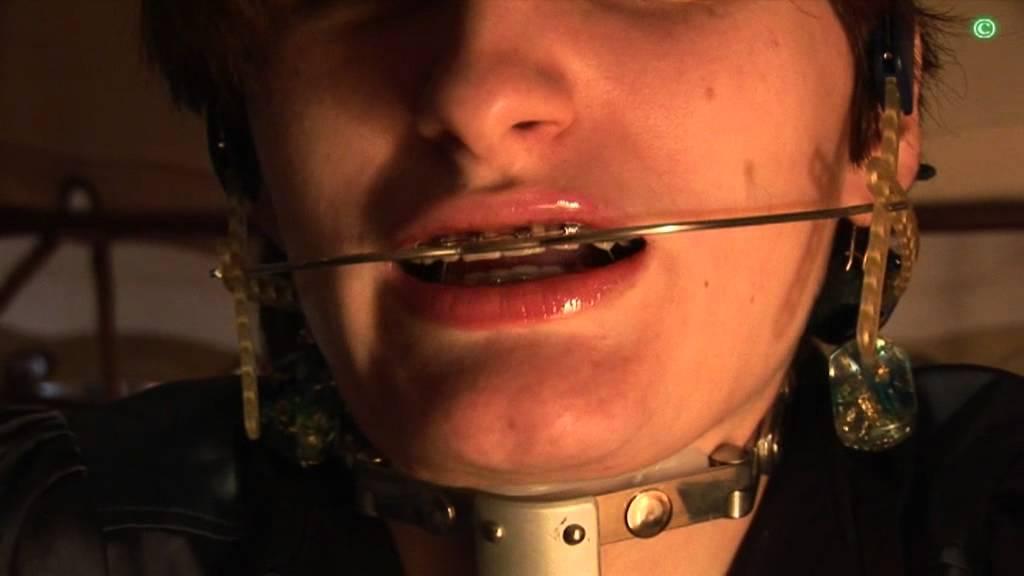 Blowjob with orthodontic headgear