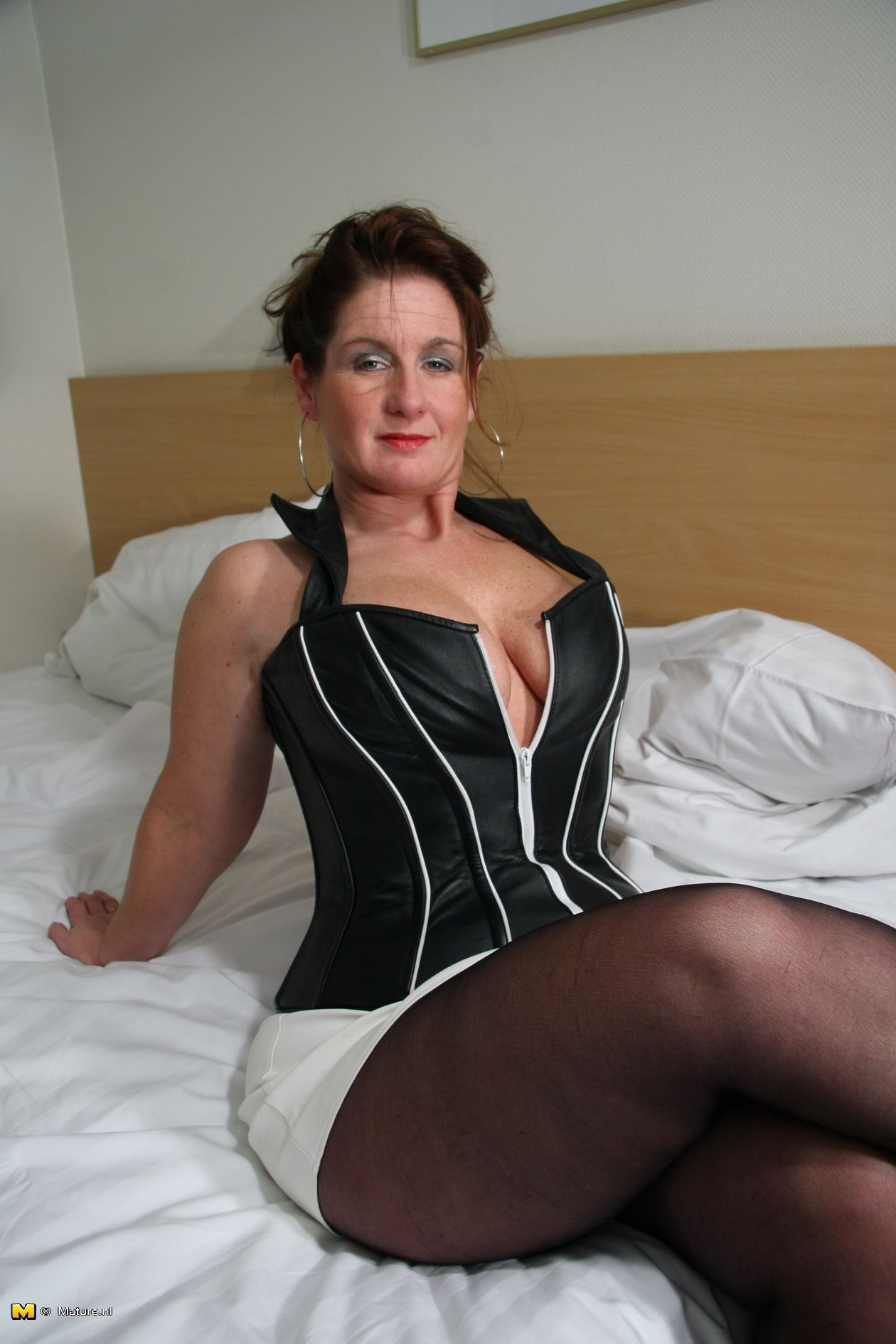 Older mature gallery recommend