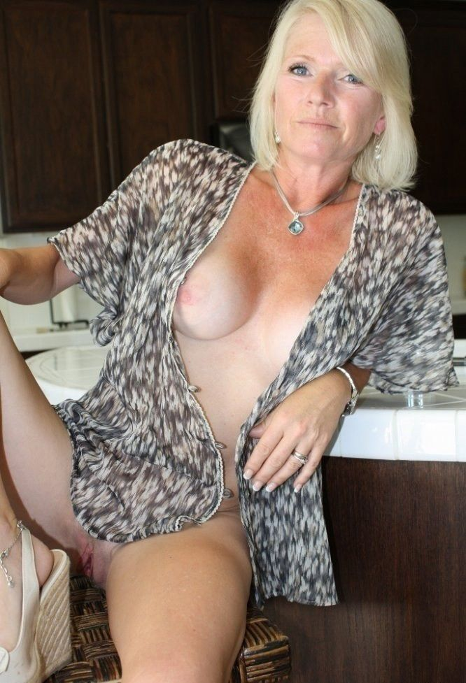 Hot nude mature grannys sex