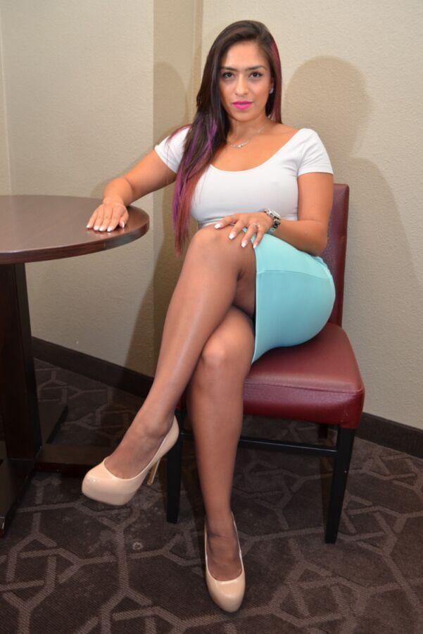 Junior M. reccomend Latina wearing pantyhose
