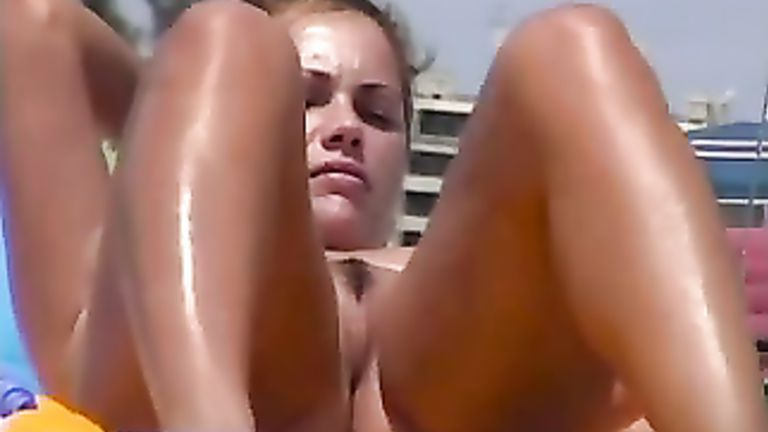 Privat Orgasmus Fick mit wackelnden Naturbrusten. Big Tits sex video