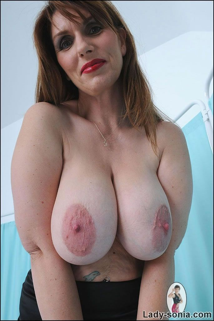 Big massive natural mature boobs tits