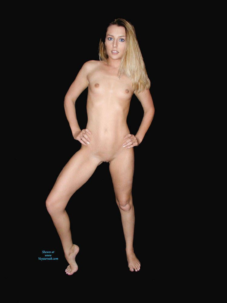 Voyeur 23 naked posted free pics