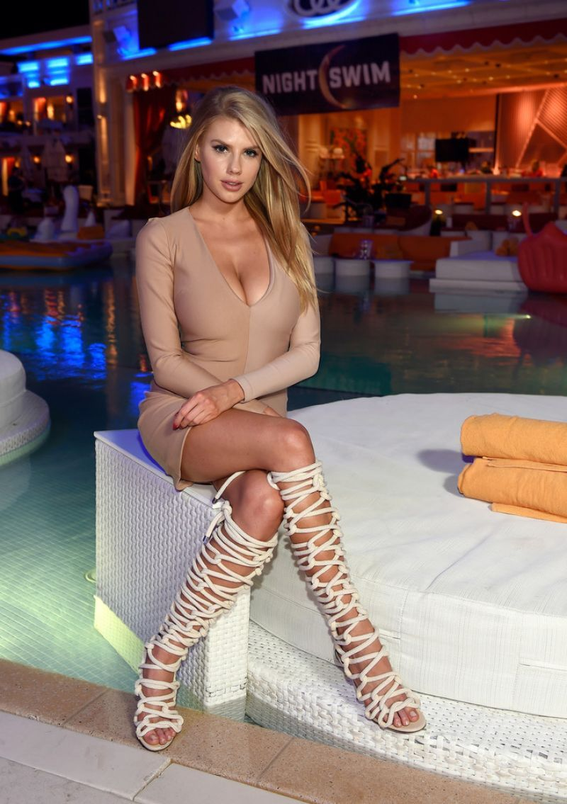 Las vegas slut club photos