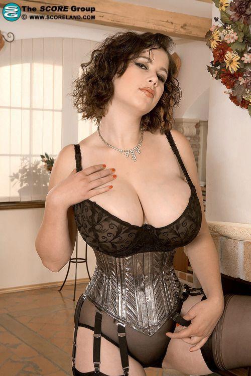 Corset and big boob