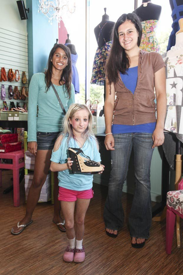 Cherry P. reccomend Young girl midget