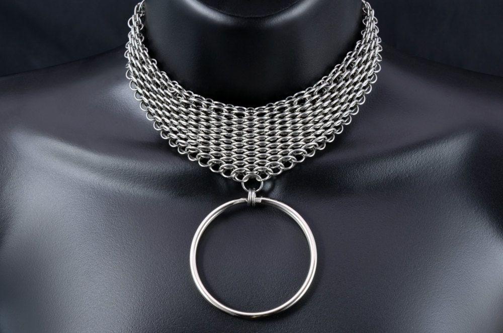 Chainmail bondage collar