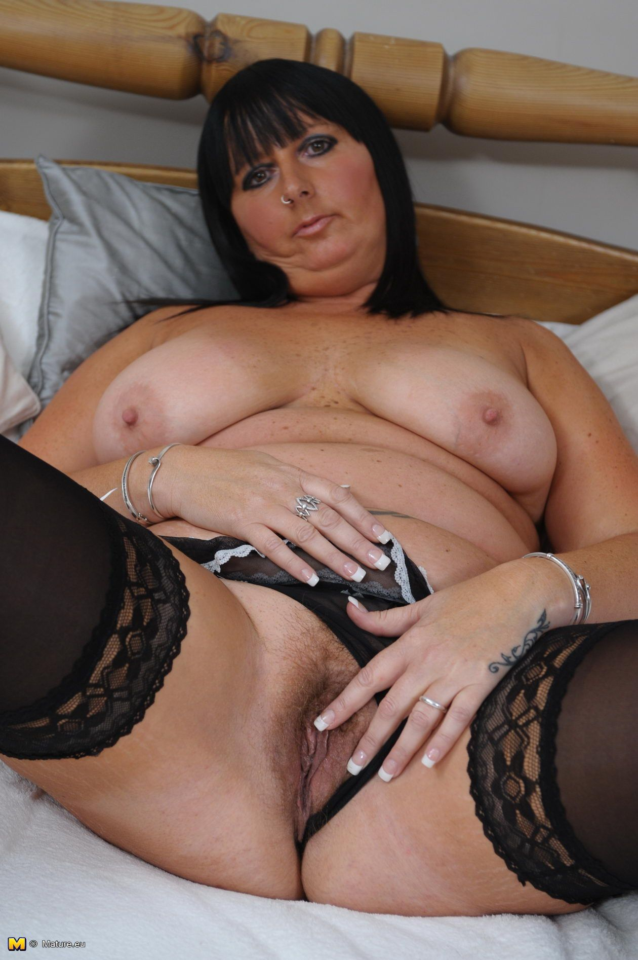 Porn galleries Mature chubby pussy .