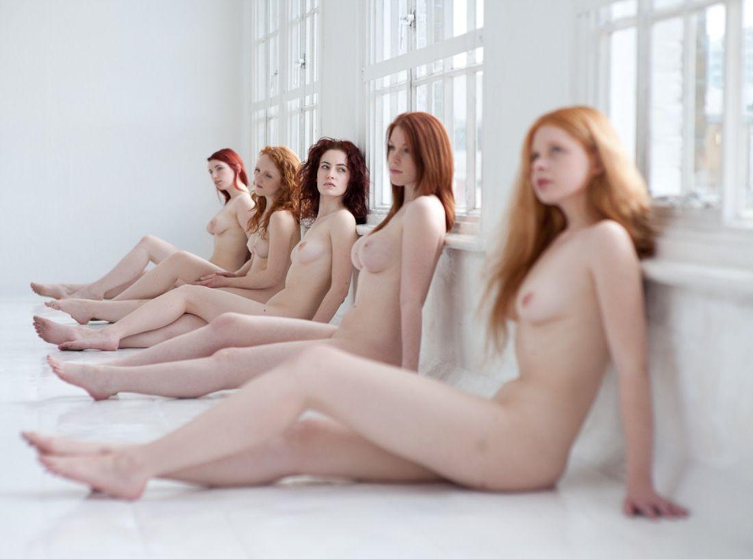 Hot girls giving nice sexy lapdance