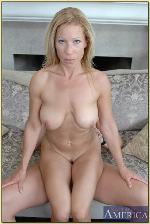 Kimmie morr mommy loves cock