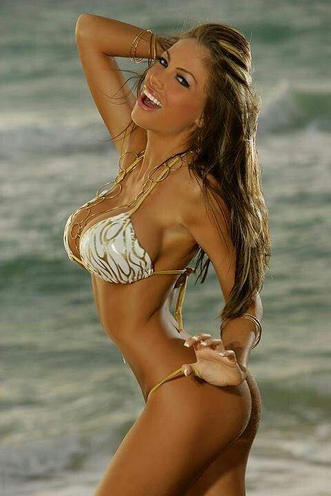 Buttercup reccomend Babe bikini brunette