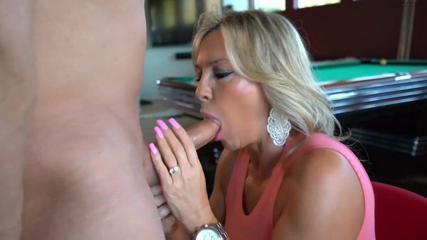 Porky reccomend Wifey gets blasted with cum