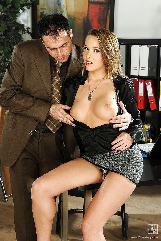 Hotties telling erotic stories