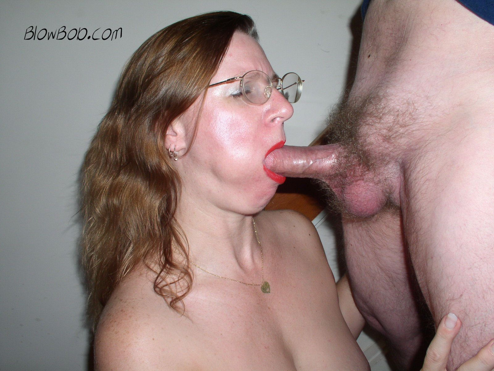 Mature women sucking milf cock