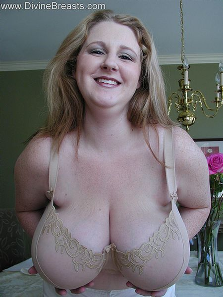 amateurs divine tits mature breasts