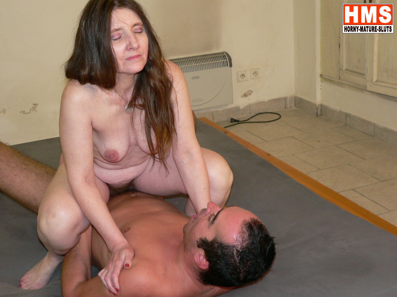 Guppy reccomend Amateur mature movie slut