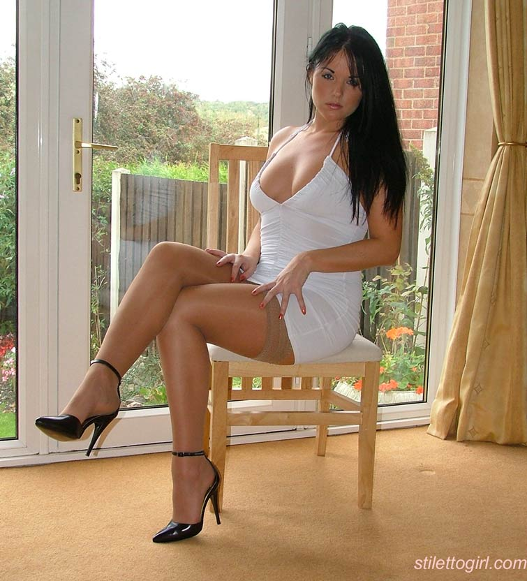 High heels wife amatuer naked in