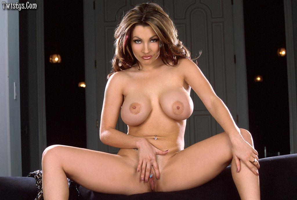 Preppy girl nude masturbating