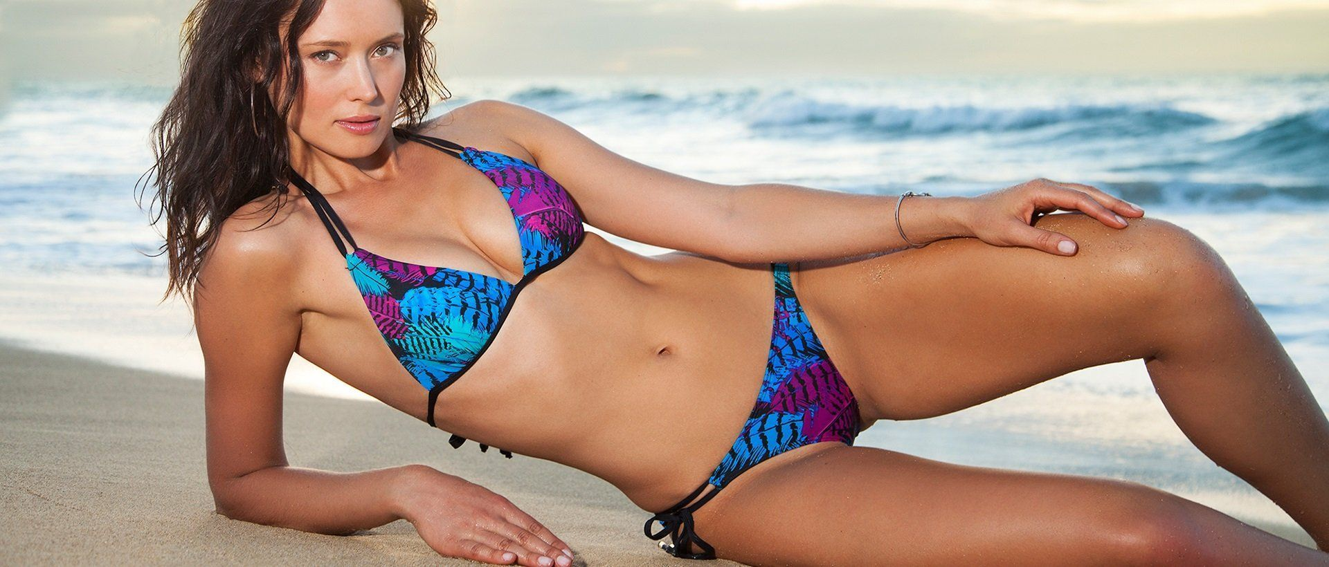 Manhattan reccomend Malibu strings customer bikini contest