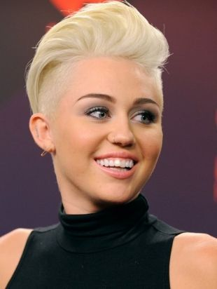 Cali reccomend Miley cyrus shaved