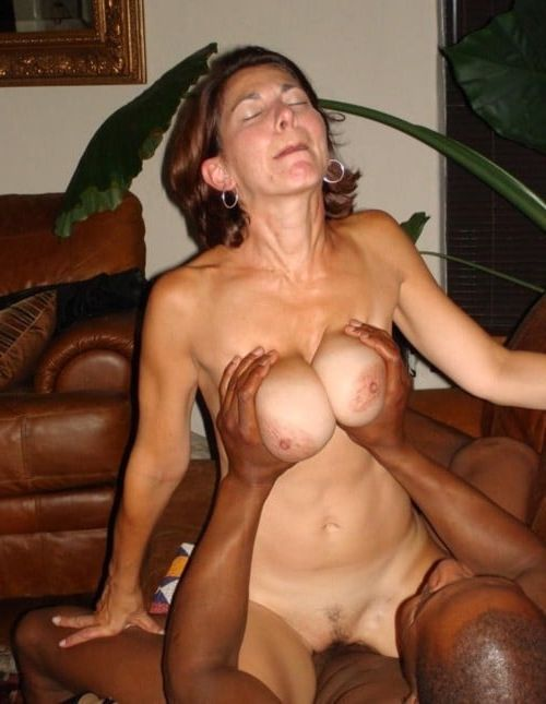 Amateur mature slut black