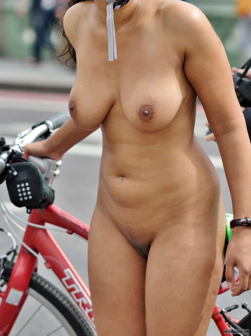 Geneva reccomend Real street voyeur nudity